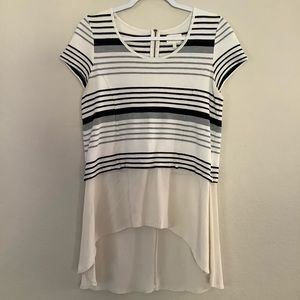 🛍3/$20 Deletta White Black Gray Striped Top